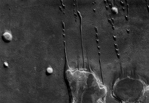 This is Mars — потрясающие черно-белые снимки поверхности Марса