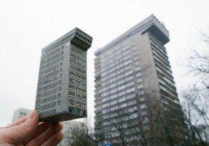 Дом на ладони — бумажные версии польских зданий