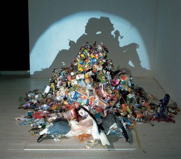 Тени из мусора от Тима Нобле и Сью Вебстер