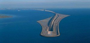 Невероятный мост, который превращается в подводный тоннель, соединяющий Данию и Швецию