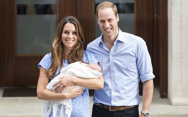 Королевская чета с малышом