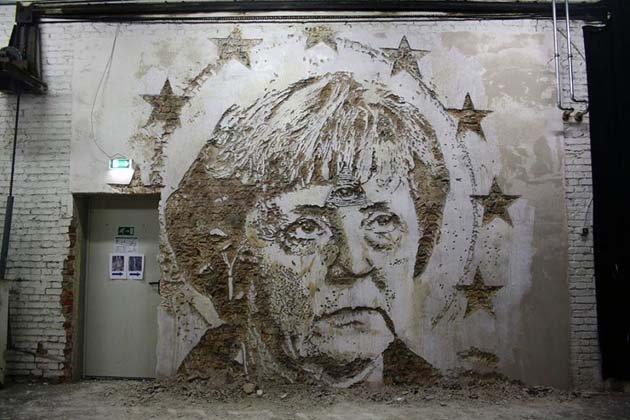 wall-carving-portraits-street-art-alexandre-farto-9
