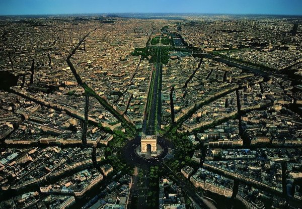birds-eye-view-aerial-paris-600x416