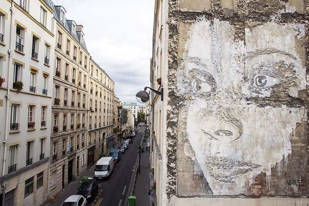 wall-carving-portraits-street-art-alexandre-farto-15