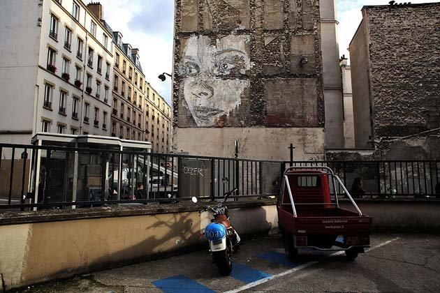 wall-carving-portraits-street-art-alexandre-farto-4