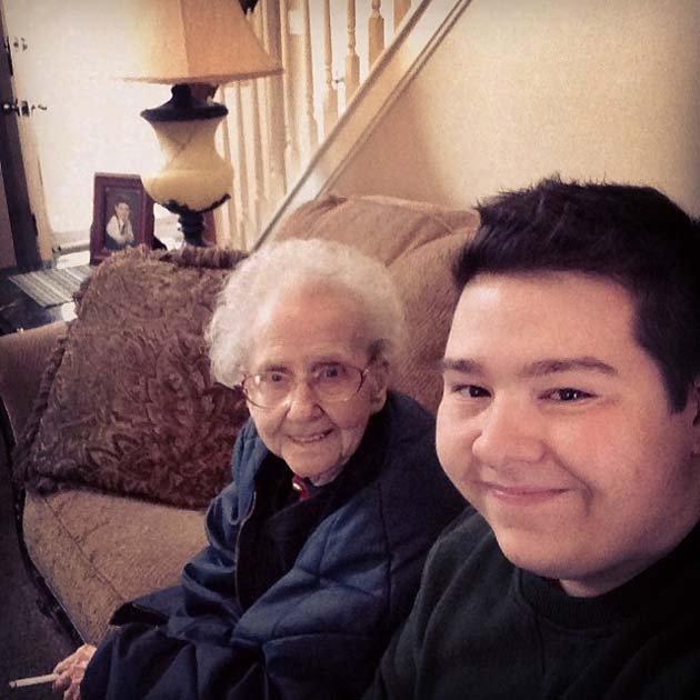 Бабушка Бетти с любимым правнуком