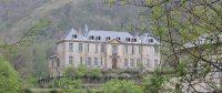 Молодая пара купила заброшенный замок на юге Франции
