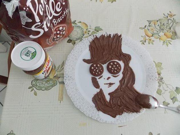 Джонни Дэпп в роли Чарли в Шоколадной фабрике