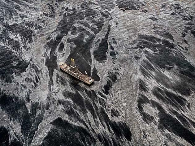 Oil Spill, Discoverer Enterprise, Gulf of Mexico, USA 2010