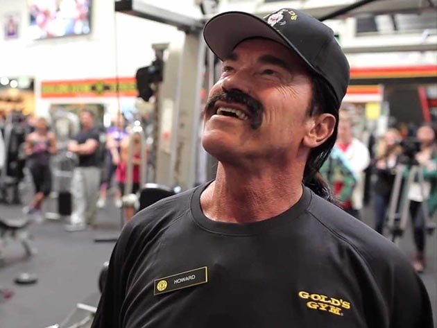 arnold-schwarzenegger-goes-undercover-at-golds-gym-the-brief