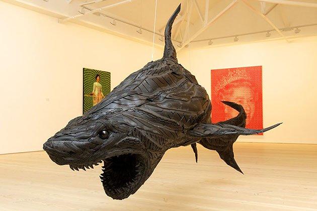 Акула из покрышки