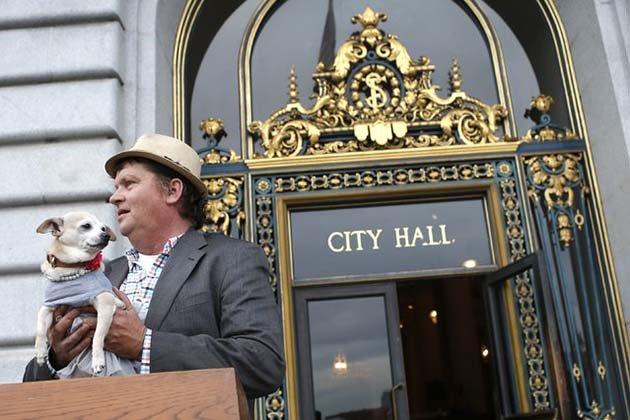 Первая пресс-конференция Фриды на посту мэра города