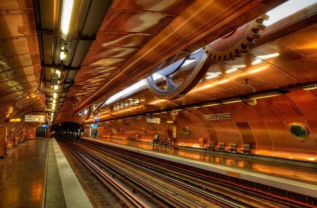 stancii_metro_gorodov_mira02