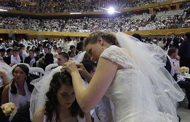 massovaya-svadba-v-ugnoi-koree15