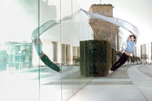 Modern-Creative-Selfie-Ballet-Dancer-Masters-Technic-of-Making-Self-Portraits3__880
