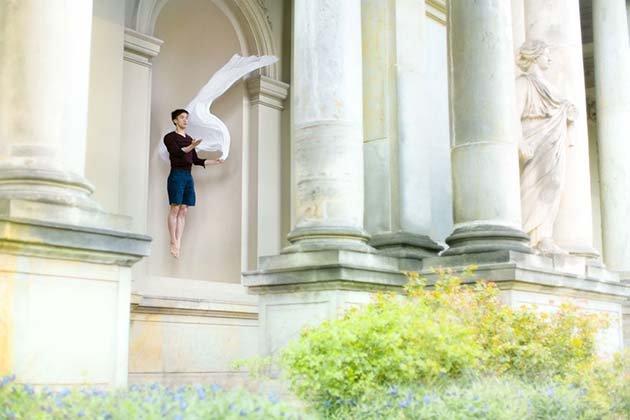 Modern-Creative-Selfie-Ballet-Dancer-Masters-Technics-of-Taking-Self-Portraits3__880
