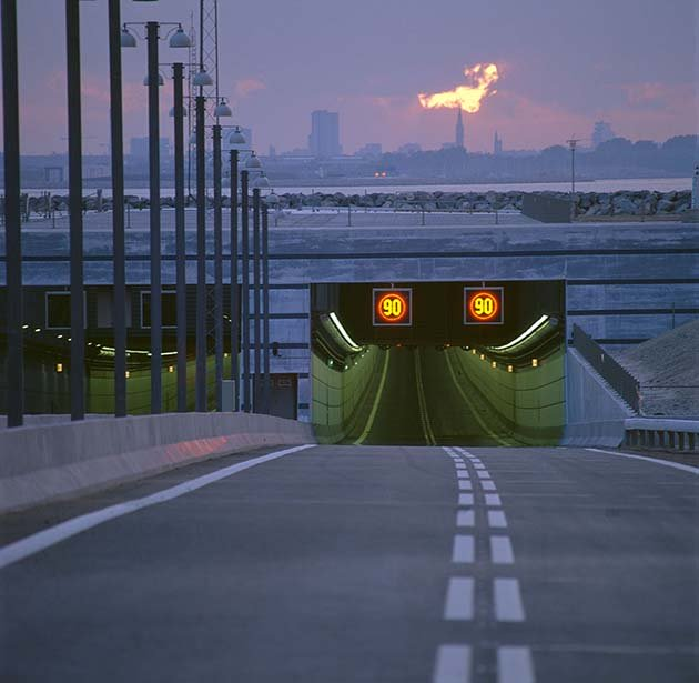 tunnel-bridge-oresund-link-artificial-island-sweden-denmark-12