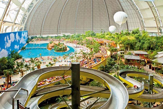 tropical-islands-resort-the-giant-waterpark-inside-an-old-german-airship-hangar-33