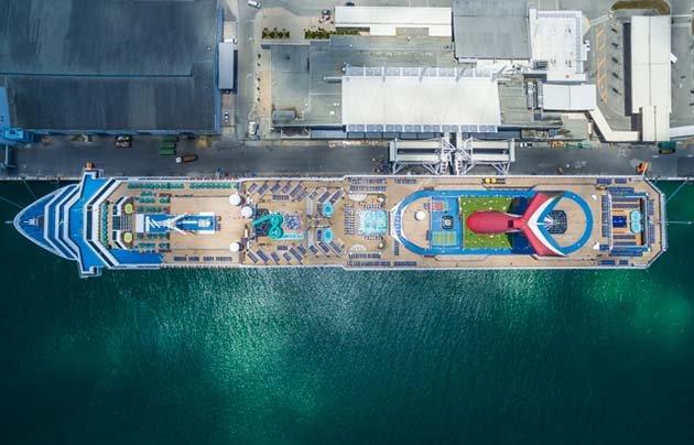 shipsatport-1