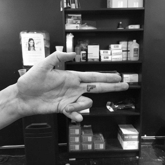 minimalist-tattoos-jonboy-new-york-17