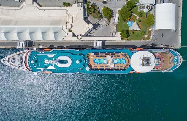 shipsatport-2