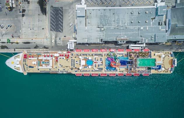 shipsatport-5