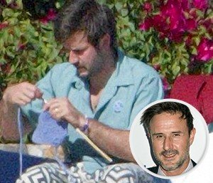 David-Arquette-Knitting-300x257