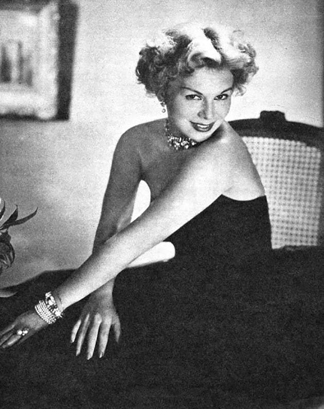 1950s Glamour Photography (14)