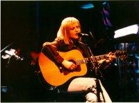 """The Cranberries исполняют акустическую """"Zombie"""" на MTV Unplugged"""